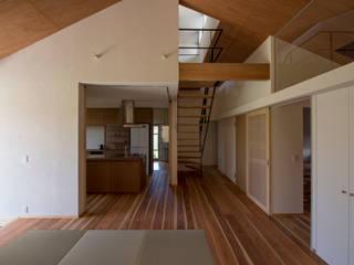 ARINOMAMA yuukistyle 友紀建築工房 モダンデザインの リビング