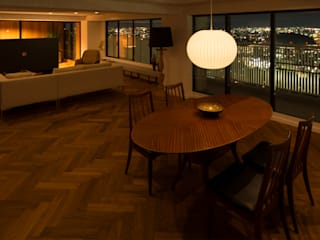 Salas de estar modernas por yuukistyle 友紀建築工房 Moderno