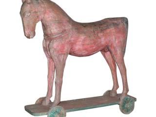 Caballo antiguo de madera:  de estilo  de Conely
