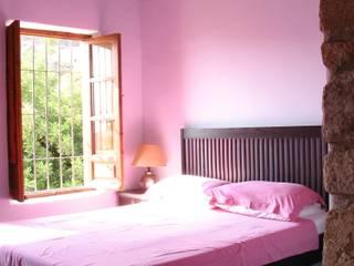 Molino de la Zaza Dormitorios de estilo rural de Mirasur Proyectos S.L. Rural