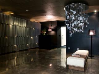 Paola Calzada Arquitectos Study/office Silver/Gold Black