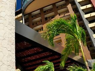 Hotel Villa del Palmar: Casas de estilo  por Facere Arquitectura