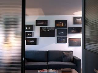 Paola Calzada Arquitectos Office spaces & stores Metal Black