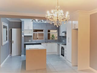 Zingana Kitchens and Cabinetry Cuisine intégrée Blanc