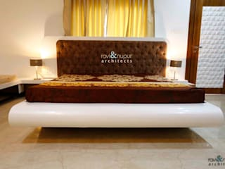 RAVI - NUPUR ARCHITECTS BedroomBeds & headboards Brown