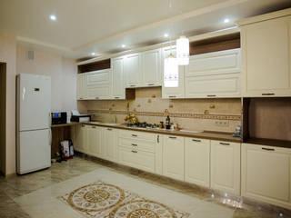 Ремонт квартиры 67 квм Кухня в классическом стиле от Группа RCI Классический