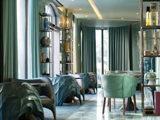 Eclectic style hotels by Atelier Nini Andrade Silva Eclectic