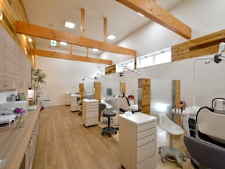 W-歯科医院: アトリエくらが手掛けた医療機関です。