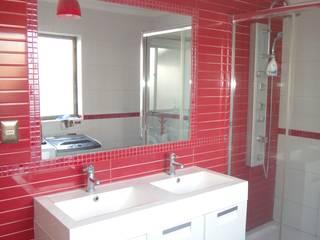 ARKITEKTURA Mediterranean style bathrooms Ceramic Red