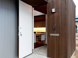 Corridor & hallway by Takeru Shoji Architects.Co.,Ltd, Eclectic