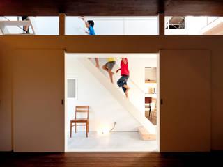 g house: Takeru Shoji Architects.Co.,Ltdが手掛けた階段です。
