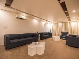 Aurum Csheme Modern living room by Studio Fifi Modern