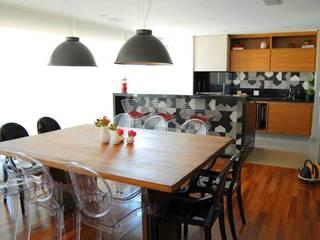 Apartamento Moderno: Salas de jantar modernas por SIMONE CASTRO