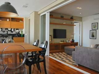 Apartamento Moderno: Salas de estar modernas por SIMONE CASTRO