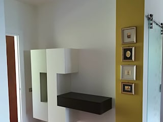 Ingresso e salotto: Ingresso & Corridoio in stile  di GrammArt Cucine & Design