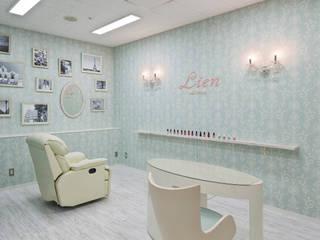 Nail Salon Lien オリジナルな商業空間 の 株式会社KAMITOPEN一級建築士事務所 オリジナル