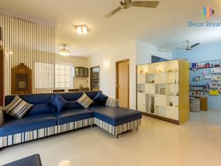 Axis Aspire 2.5 BHK - Mr. Ramprasad:  Living room by DECOR DREAMS