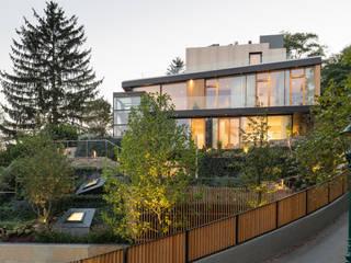Villa am Rande des Wienerwaldes Moderne Häuser von RATAPLAN - Architektur ZT GmbH Modern