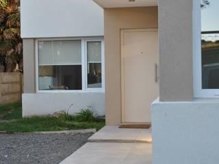 Casa BM: Casas de estilo  por Gomez Vidaguren Arquitectos