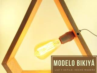 Lámparas Decorativas en madera:  de estilo  por Kú Lámparas