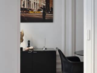 Cabinet d'avocats - Paris 7e / 160 m² Espaces de bureaux modernes par A comme Archi Moderne