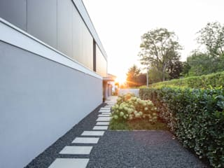 Casas minimalistas por Schiller Architektur BDA Minimalista
