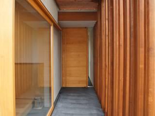 Couloir et hall d'entrée de style  par 一級建築士事務所A-SA工房