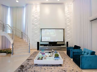 Residência Alphaville Fortaleza: Salas de estar  por RI Arquitetura