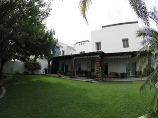 San Gabriel Casas modernas de Tierra Fría Moderno