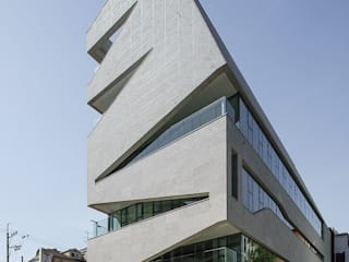 Office buildings by 건축사사무소 어코드 URCODE ARCHITECTURE