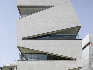Edificios de oficinas de estilo  de 건축사사무소 어코드 URCODE ARCHITECTURE,