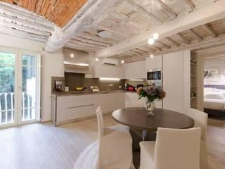 PROGETTO APPARTAMENTO IN TOSCANA : Cucina in stile  di GRILLI ARREDAMENTI D'INTERNI, Moderno