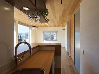 Kitchen by 空間工房 用舎行蔵 一級建築士事務所,