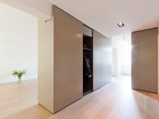 Woonhuis Churchillaan Moderne gangen, hallen & trappenhuizen van Bas Vogelpoel Architecten Modern