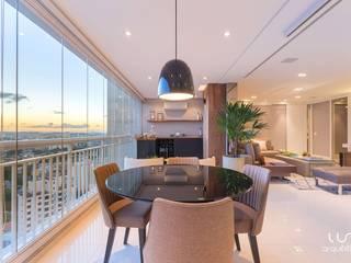Balcone, Veranda & Terrazza in stile moderno di Luni Arquitetura Moderno