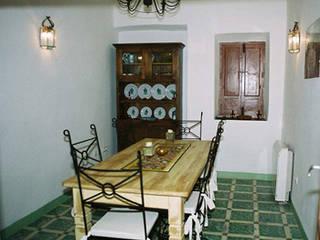 Casa Larga Comedores de estilo rural de Mirasur Proyectos S.L. Rural