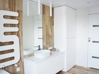 Łazienka - metamozfoza mieszkania: styl , w kategorii  zaprojektowany przez IN studio projektowania wnętrz