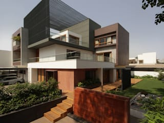 Cube House:  Bungalows by Reasoning Instincts Architecture Studio
