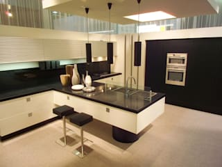Kitchen Classic style kitchen by AJ Atelier Architects Classic