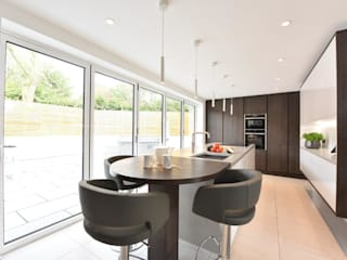 Mr and Mrs Hardman - Williams by Diane Berry Kitchens Modern