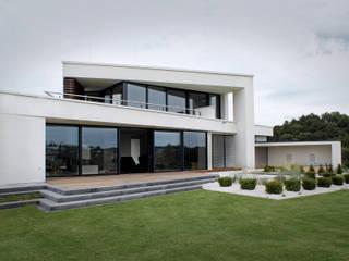Modern Houses by Avantecture GmbH Modern