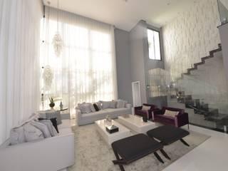 Sala de estar luxo: Salas de estar  por Andréa Generoso - Arquitetura e Construção
