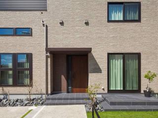 Casas modernas de わたなべデザイン製作所/建物写真店 Moderno