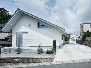 吉田裕一建築設計事務所 Wooden houses Stone White