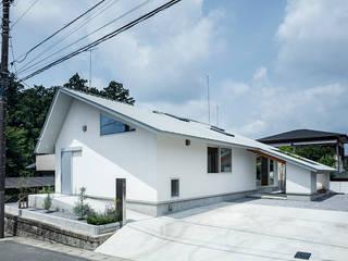 吉田裕一建築設計事務所 Casas de estilo minimalista