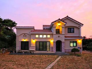 남유럽풍 전원주택: (주)디엘건축의  주택,컨트리