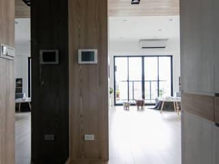 Couloir et hall d'entrée de style  par 拓雅室內裝修有限公司, Scandinave