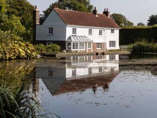 Rural Retreat by Pfeiffer Design Ltd Country