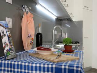 Casa-Páteo Lisboeta Cozinhas mediterrânicas por casasrenovatio Mediterrânico