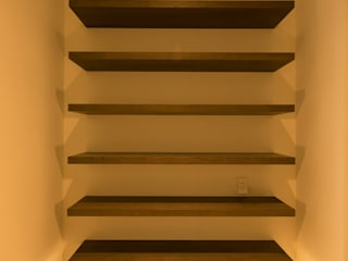 Modern Corridor, Hallway and Staircase by アーキシップス古前建築設計事務所 Modern